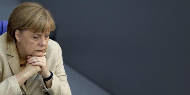 Angela Merkel est toutefois toujours populaire au niveau national. Les Allemands lui sont gré de promouvoir l'austérité budgétaire pour soigner la zone euro.