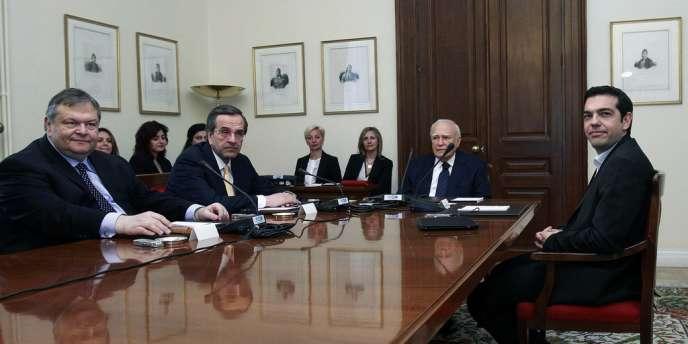 Les leaders des trois principaux partis grecs sont arrivés dimanche 13 mai pour d'ultimes discussions avec le président Carolos Papoulias pour tenter de former un gouvernement de coalition.