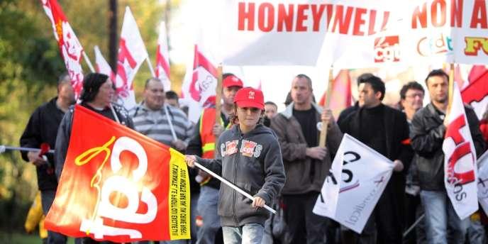 Le tribunal de Caen rendra sa décision le 24 septembre 2012 sur la fermeture du site d'Honeywell dans le Calvados, que les 325 employés soupçonnent d'être une délocalisation déguisée.