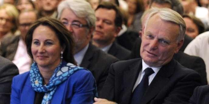 Ségolène Royal et Jean-Marc Ayrault, lors du conseil national du PS le 14 mai.