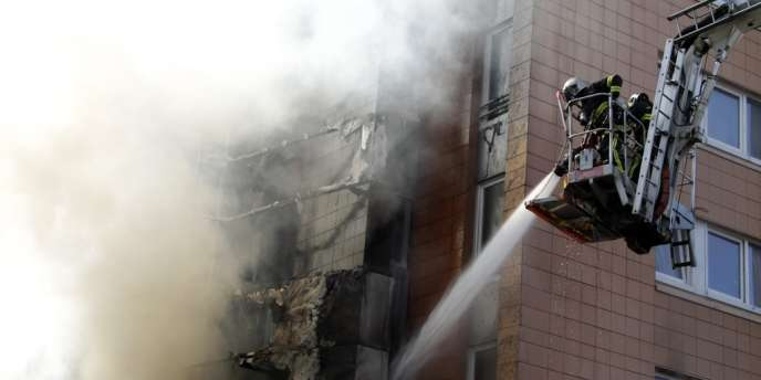 Le bilan selon les pompiers : un mort, un blessé grave et sept blessés légers.