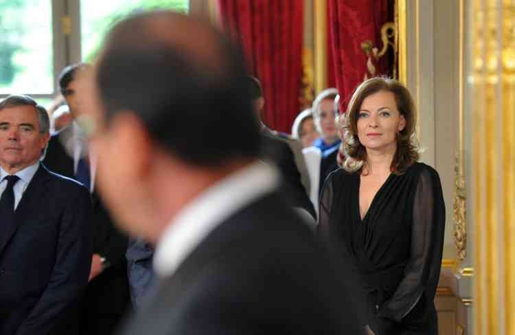 Valerie Trierweiler, companion of France's president-elect Francois Hollande attends the formal investiture ceremony during which her companion will be invested as France's president, on May 15, 2012 at the Elysee presidential Palace in Paris.  AFP PHOTO / BERTRAND LANGLOIS
