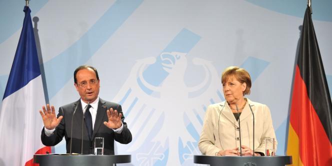 Le président français, qui souhaite avec la chancelière allemande que la Grèce demeure dans la zone euro, a précisé lors d'une conférence de presse commune que les mesures à venir sur la croissance devraient notamment concerner les Grecs.