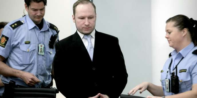Anders Behring Breivik  à Oslo le 15 mai 2012, lors de son procès.