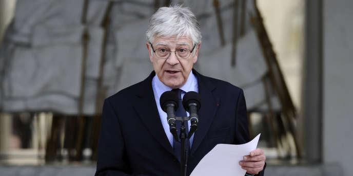 Le secrétaire général de l'Elysée, Pierre-René Lemas, a annoncé la composition du gouvernement de Jean-Marc Ayrault, mercredi 16 mai.