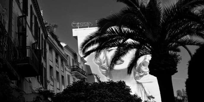 La façade du Riviera Hôtel, à Cannes.