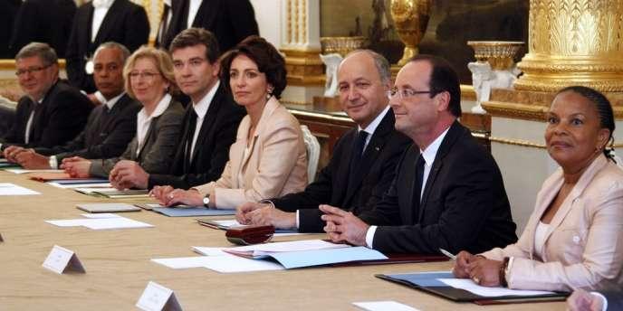 Premier conseil des ministres du gouvernement Ayrault à l'Elysée, jeudi 17 mai.