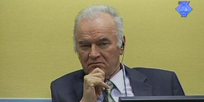 Ratko Mladic, au second jour de son procès, jeudi 17 mai.