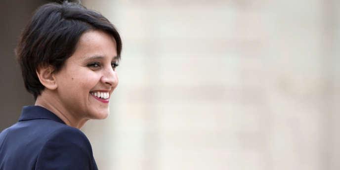 Najat Vallaud-Belkacem sur le perron de l'Elysée pour son premier conseil des ministres, jeudi 17 mai 2012.