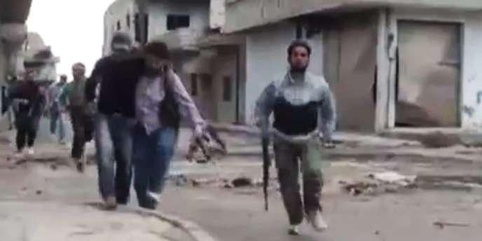 La ville, située dans la province de Homs, a été bombardée dans la nuit