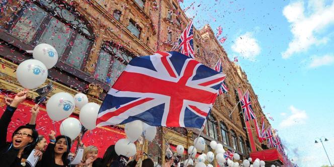Pour célébrer le Jubilé, Harrod's s'est mis aux couleurs de l'Union Jack.