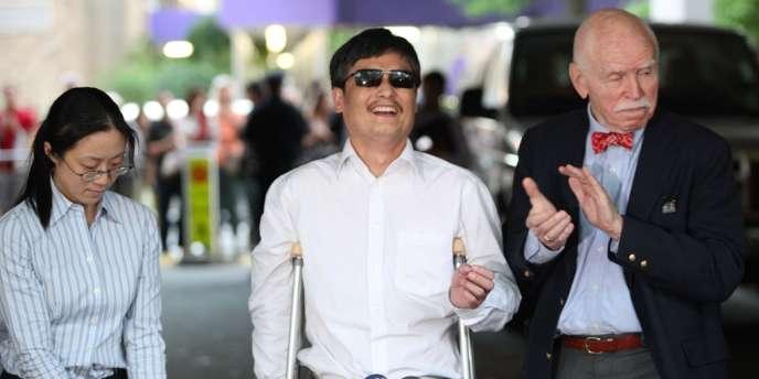 Le militant des droits civiques chinois Chen Guangcheng est arrivé à New York samedi 19 mai 2012.