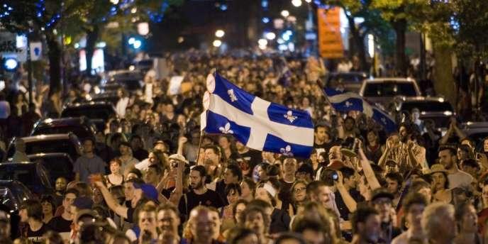 Selon les 51 organisations réclamant la tenue d'une enquête indépendante, 3 418 personnes avaient été interpellées lors du mouvement étudiant du printemps, dont