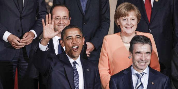 Barack Obama entouré de François Hollande, Angela Merkel et Anders Fogh Rasmussen, le 20 mai à Chicago.