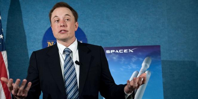 Elon Musk, le PDG du constructeur Tesla a également investi dans le photovoltaïque (SolarCity) et l'espace, avec SpaceX, qui oeuvre à développer des fusées plus évoluées à coût abordable.