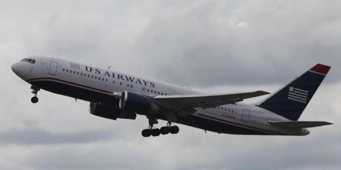 Le vol US Airway 787 arrive à Bangor, dans le Maine, le 22 mai 2012.