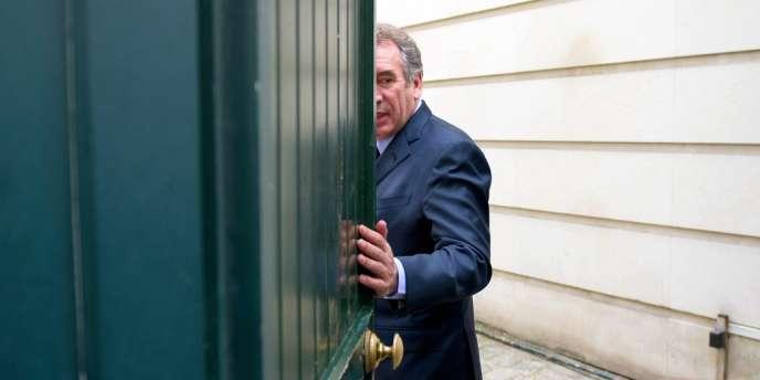 François Bayrou au siège du MoDem à Paris, le 3 mai 2012.