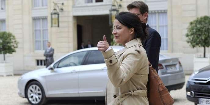 La ministre de l'égalité des territoires et du logement, Cécile Duflot, à sa sortie du premier conseil des ministres, le 17 mai, à l'Elysée.