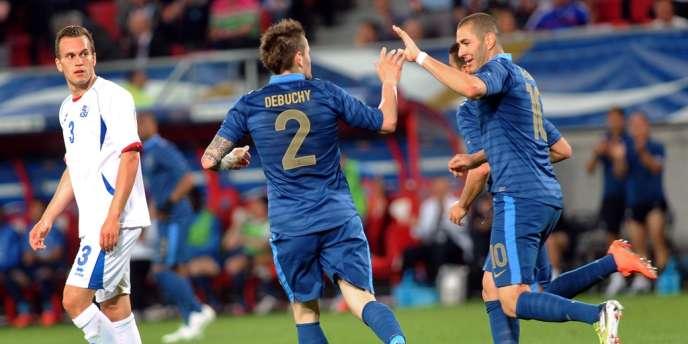Mathieu Debuchy a inscrit le premier but des Bleus face à l'Islande, le 27 mai à Valenciennes.