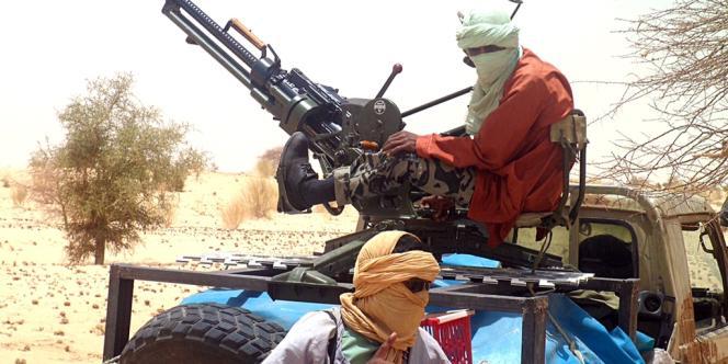 Des rebelles islamistes de Ançar Eddine, ici près de la ville de Tombouctou, dans le nord du Mali, en avril 2012.