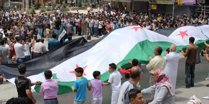 Le 26 mai dans la région d'Idlib, dans le nord de la Syrie, une manifestation antirégime à Salkin.