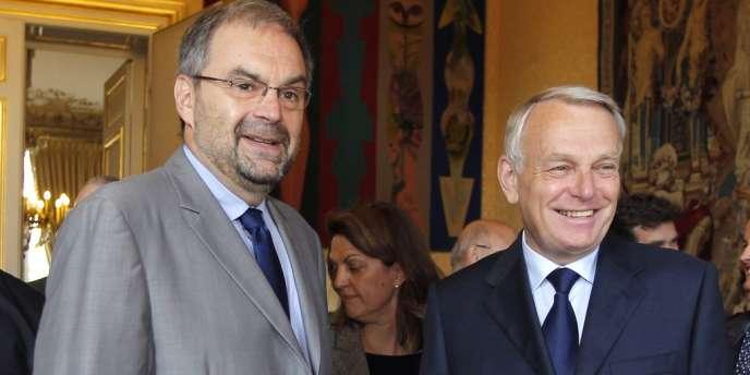 Le leader de la CFDT, François Chérèque, et le premier ministre, Jean-Marc Ayrault, mardi 29 mai à Matignon.