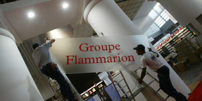Flammarion est devenu un fleuron de l'édition française avec un chiffre d'affaires de 220 millions d'euros.