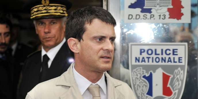 Manuel Valls à l'issue d'une rencontre avec des policiers à Marseille, le 21 mai.