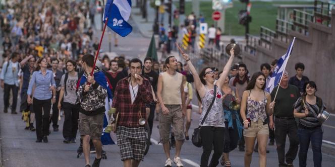 Manifestation des étudiants québecois contre l'augmentation des frais de scolarité, le 30 mai, à Montréal.