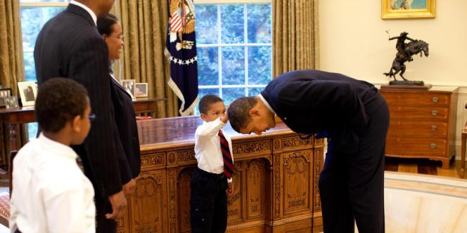 Le 8 mai 2009, Jacob Philadelphia, 5 ans, et a famille ont rendez-vous dans le bureau Ovale pour une photo-souvenir.