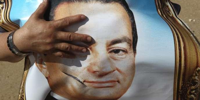 L'ancien président egyptien, qui fera appel de sa condamnation,