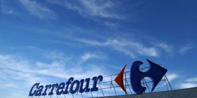 Une enseigne de la chaîne de distribution Carrefour.