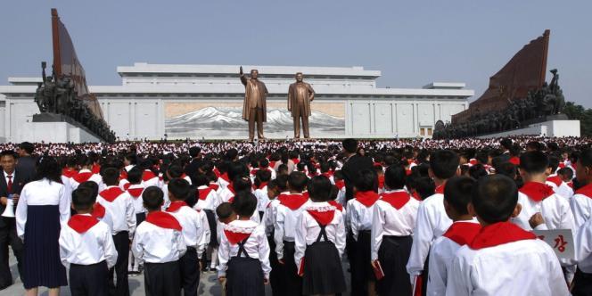 Vingt mille enfants étaient rassemblés dimanche à Pyongyang pour célébrer le 66e anniversaire de l'Union des enfants coréens, une organisation créée par le régime.