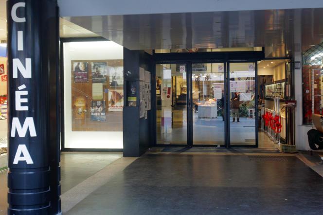 L'entrée du cinéma Le Méliès à Montreuil en février 2008.