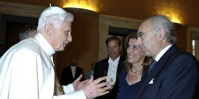 Ettore Gotti Tedeschi reçu par Benoît XVI, en 2010.