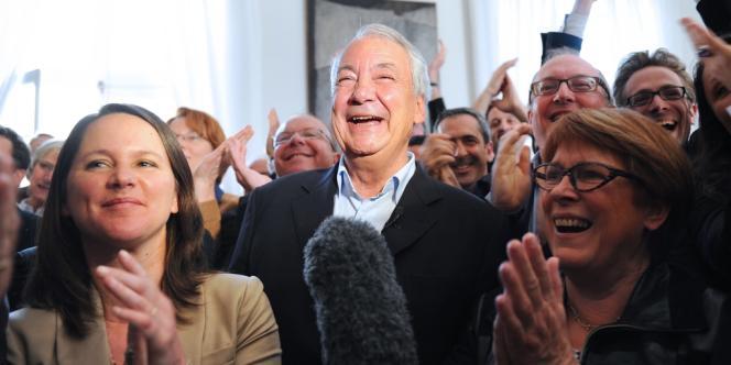 Johanna Rolland (à gauche) en compagnie du maire de Nantes Patrick Rimbert, lors de l'annonce de la victoire de François Hollande à l'élection présidentielle, le 15 mai.