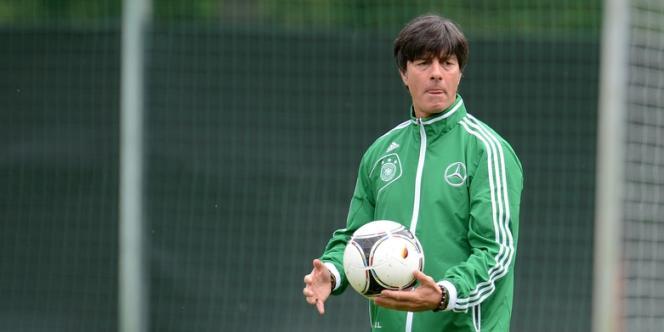 Joachim Low et l'inaltérable 4-5-1 allemand.