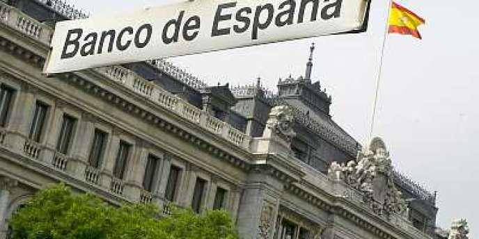 près avoir baissé de près de 1 point en décembre 2012, les créances douteuses détenues par les banques espagnoles sont remontées en janvier à 10,78 % du total des crédits bancaires.