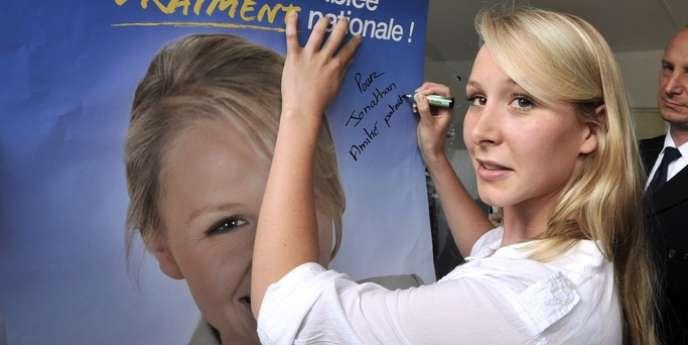 La jeune parlementaire affirme que Jean-Marie et Marine Le Pen participent à 90% des séances du Parlement européen. Ce qui est faux.