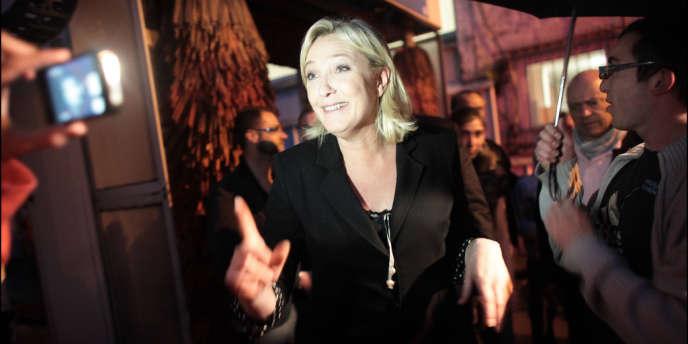 Marine Le Pen, à Hénin-Beaumont (Pas-de-Calais), le soir du premier tour des législatives, dimanche 10 juin.