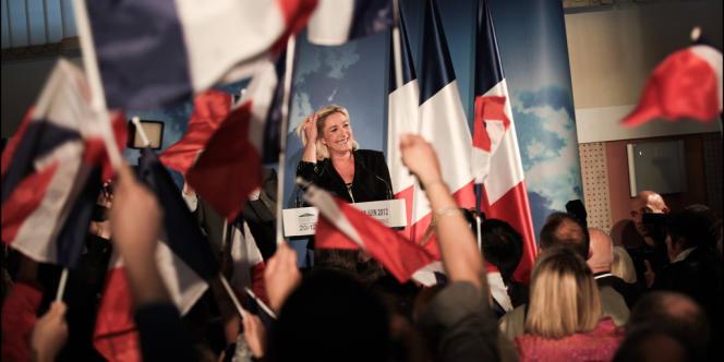 Marine Le Pen est arrivée en tête dans la 11e circonscription du Pas-de-Calais, devant le socialiste Philippe Kemel et le candidat du Front de gauche Jean-Luc Mélenchon, éliminé dès le premier tour.
