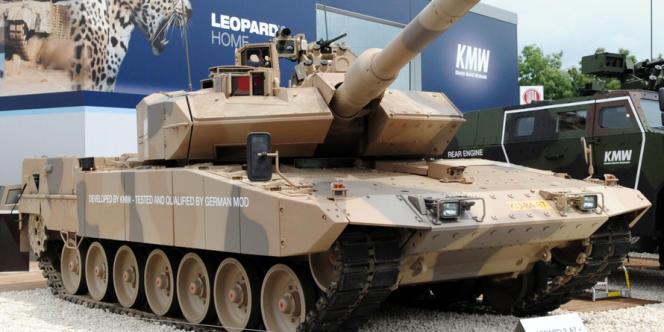 Le ministre allemand de l'économie préfère que KMW fusionne avec le leader allemand du secteur, Rheinmetall, avec qui il fabrique les chars Leopard et Puma, qu'avec le français Nexter.  Mais les actionnaires KMW préfèrent s'associer à un Français qu'à leur concurrent allemand.