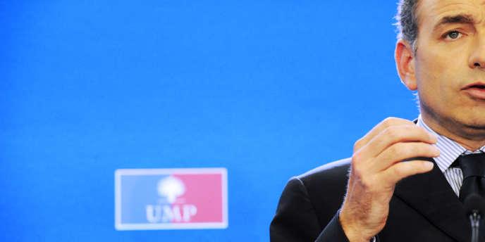 Conférence de presse de Jean-François Copé, le secrétaire général de l'UMP, lundi 11 juin, à l'issue du bureau politique du parti.