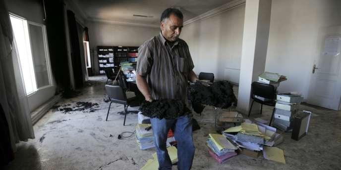 L'incident le plus grave s'est produit à Essijoumi, où le tribunal a été attaqué et le bureau du procureur totalement incendié.