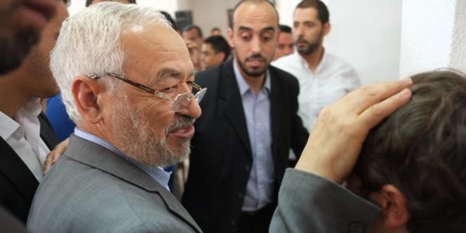 Rached Ghannouchi, mercredi matin 13 juin, dans un quartier populaire de Tunis appelle les tunisiens a