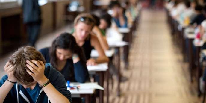 La réforme des rythmes scolaires doit encore être mise en place dans 20 000 communes à la rentrée 2014.