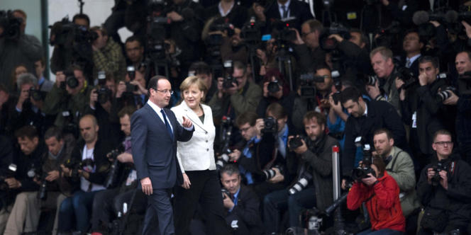 La chancelière allemande Angela Merkel et François Hollande, à Berlin, le 15 mai, lors de la première visite du nouveau président français en Allemagne.