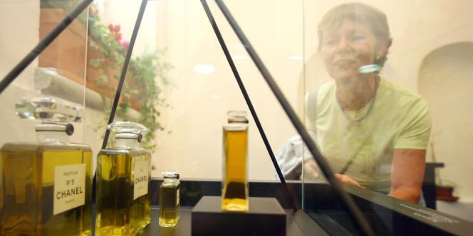 Au Musée international de la parfumerie de Grasse, le 19 octobre 2008.