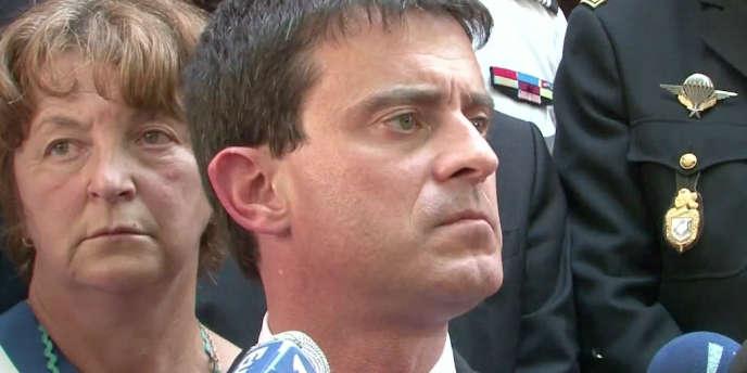 Manuel Valls a rendu hommage lundi 18 juin aux deux gendarmes tuées à Collobrières, dans le Var.