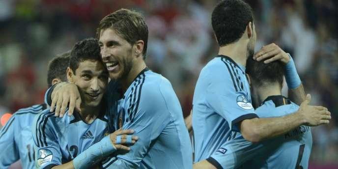 Les joueurs espagnols célèbrent leur qualification pour les quarts de finale de l'Euro 2012, le 18 juin à Gdansk.